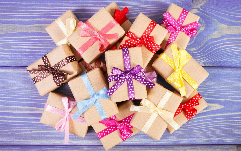 wood-gifts-podarki-korobki-lenta-bant